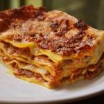 lasagne-alla-bolognese-piatti-tipici-emilia-romagna