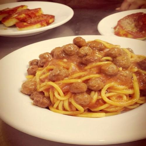 ristorante_paneolio_bed_and_breakfast_food_and_drink_poggio_picenze_l_aquila_pasta_fresca_spaghetti_polpette
