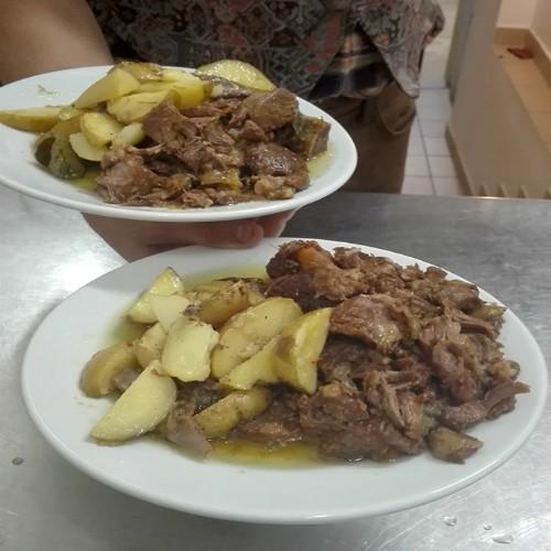 ristorante_paneolio_bed_and_breakfast_food_and_drink_poggio_picenze_l_aquila_secondo_carne_patate